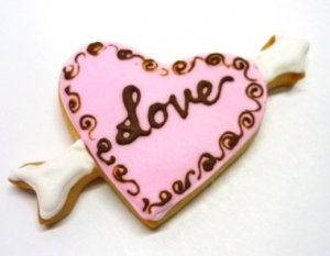 ck-wed06-love-cookie-with-arrow