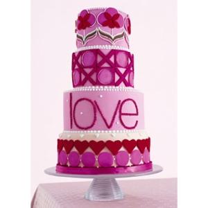pink-big-love-cake