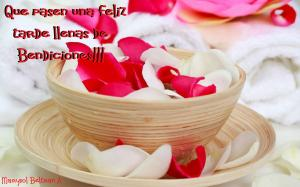Red_White_Rose_Petals_in_Wooden_Bowl_Spa_Center_HD_Wallpaper
