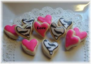 cookie_zebra_amd_hot_pink_slant_heart_10_10_10_1_31822829_std
