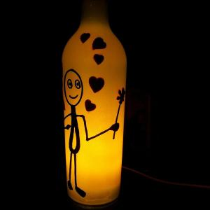 li_8035wEq_indiebazaar_lamps-and-shades_Upcycledwinebottlelovelamp_KaviThePoetryArtProject