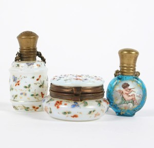 old_vintage_perfume_collection_13