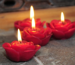 red rose candles