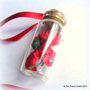 red_roses_floral_bottle_necklace_love_romance_alice_or_red_riding_hood_7932c783