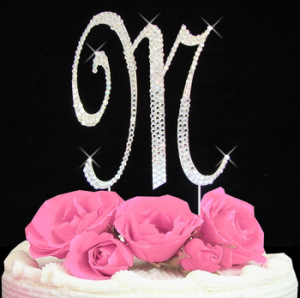 cake-topper-letter-m